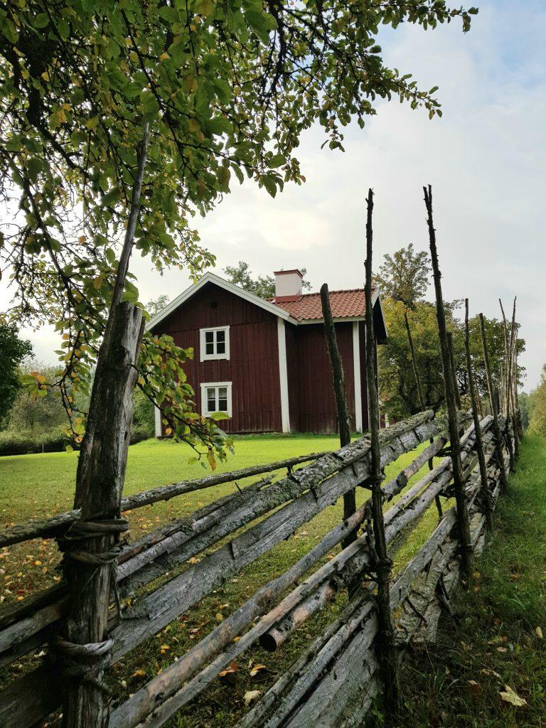 Kulturarv - byggnads från ca 1830 som tillhör Regna hembygdsgård.